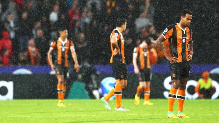 premier-league-football-hull-city-manchester-united-tom-huddlestone-dejected_3774066